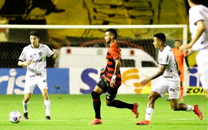 Em jogo morno, Sport cria pouco e perde do Atlético-MG na Ilha; 1º revés em casa