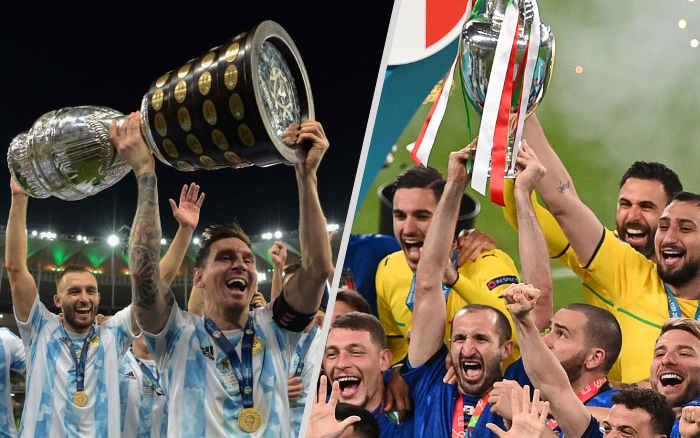 Campeãs continentais, Argentina e Itália erguem a taça na casa do rival; cena rara