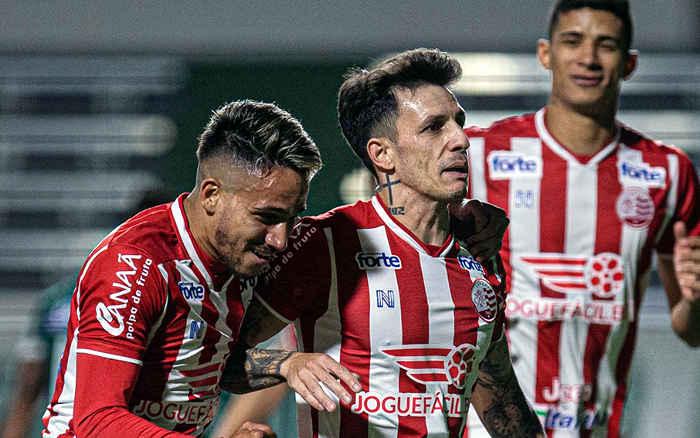 Desfalcado, Náutico vence o Goiás lá e segue invicto após 10 rodadas. Líder também