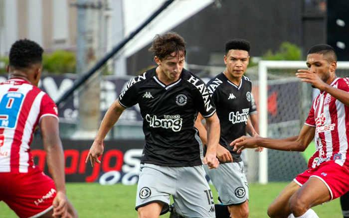 Náutico joga bem no Rio, mas cede empate ao Vasco aos 47/2T; a maior invencibilidade