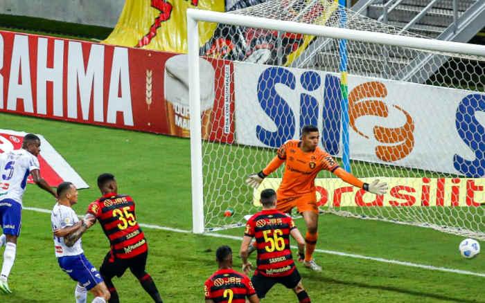 Sport leva lá e lô do Fortaleza e chega a 722 minutos sem gol; seca recorde no Brasileiro