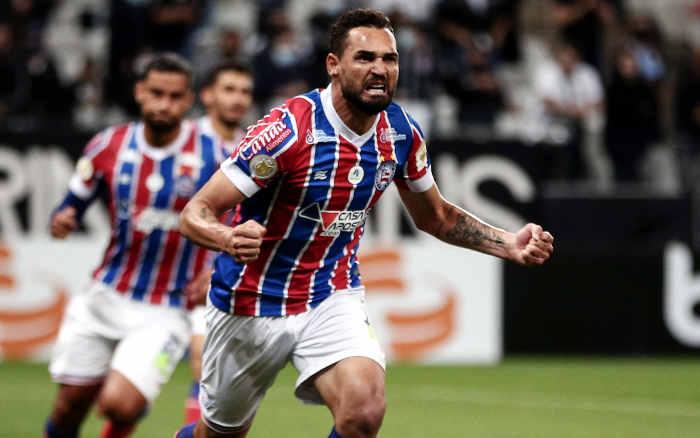 Gilberto quebra marca de 46 anos e vira o maior artilheiro de um clube do NE na Série A